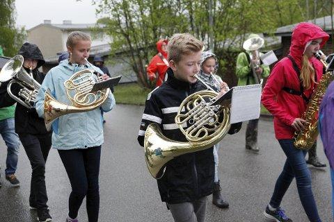 Som følge av laber rekruttering til Eidanger Pike- og Guttekorps på Herøya, ønsker korpset å flytte til Tveten. – Herøyahuset er perfekt for oss, men vi tror tilgangen til nye musikanter er bedre på Tveten, sier dirigent Sigurd Skramsett.