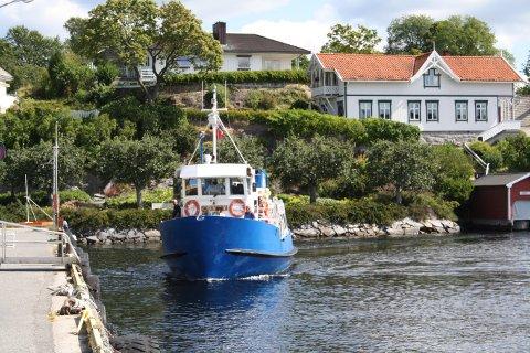 I år skal sommerrutene med passasjerferga Løvøy starte tidligere i juni og gå lenger ut over i august, i helgene.