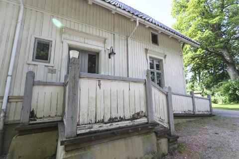 Tilstanden til villaen og kulturminnet på Mule Varde er elendig og til forskrekkelse for alle som besøker det popluære utfartsstedet. Bildetekst