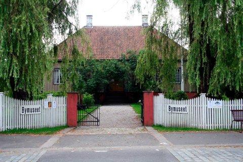 MUSEUM: Friteateret bruker bymuseet til historieseansen.