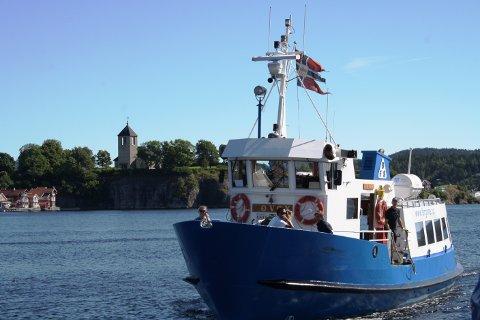 Passasjerferga Løvøy i Brevik Fergeselskap har fått ekstra penger til oppstart.