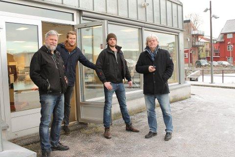 Porsgrunns Dagblad flyttet inn i nye lokaler i Stangsgate 1 mandag 16. januar 2017. Fra venstre: Tom B. Hansen, Stian Kittilsen, Filip Wennerød og Geir Fragell. Ikke til stede på bildet: Erik Enger (redaktør), Vivi Sævik og selvsagt fotografen.