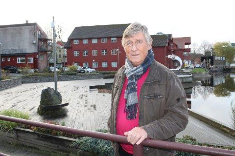 Under Klubben Porsgrunds årlige lutefiskaften ble Haavard Gjestland hedret som «Gullklumpen av Porsgrund». – Fryktelig hyggelig å få anerkjennelse for det man har gjort for byen, sier Haavard Gjestland.