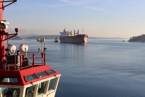 Skipstrafikk i Langesundsfjorden.
