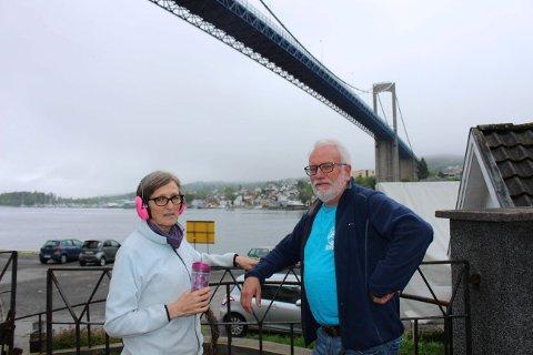 Grete og Hans Jørgen Rohde er plaget ev øket støy fra Breviksbrua med mer trafikk.