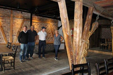 Breviksrevyen skal bygge en enkel scene langs langveggen i Verftet. Her blir det rorbu-stemning, tror Geir Aurstad, Arne Rønningen, Per Henrik Rydning og Heidi Bordier. Dette er nyskapende.