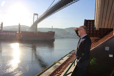 Havnedirektør Finn Flogstad ser 2017 som et år med økning i skipstrafikken i Grenland.