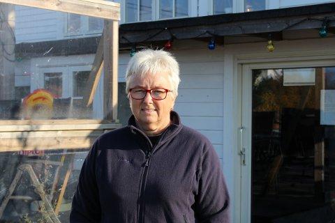 – To naboer skal altså får lov til å bestemme over et tilbud med bistro og servering ute og inne som hele Grenlands befolkning har fått kose seg med i tre år, sier en oppgitt Vivi-Ann Eek i Sandøya Handelshus og bistro.