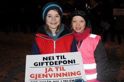NEI TIL DEPONI: Mange barn og unge i Brevik er bekymret for hva det vil bety for dem dersom det kommer et giftdeponi i gruvene.