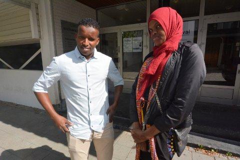 Bishar Aden Abdullahi og Deka Abdi Farah søker flere hjelpere.