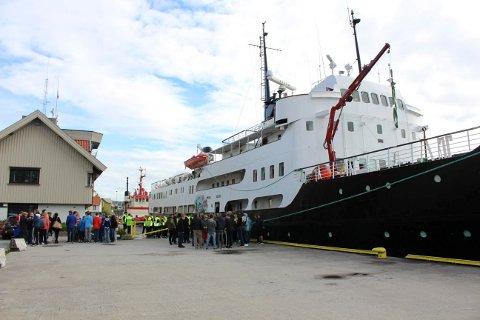 Skoleskipet Sjøkurs kommer på nytt besøk til Brevik i neste uke.