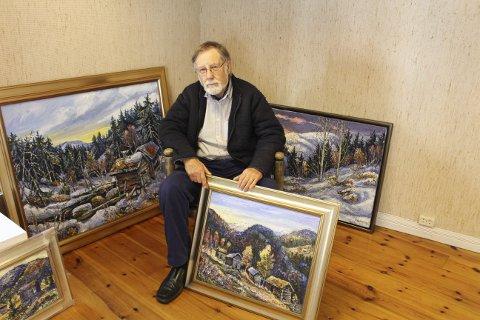 LANDSKAP: Kunstneren Reidar Kolbrek fra Rauland er tilbake i Gruppe 9 i Brevik der han skal ha utstilling med sine landskapsmalerier. Det er fire år siden sist Kolbrek hadde utstilling i Brevik, og han syns det er trivelig å være tilabke her igjen. Søndag åpner han utstillingen i Gruppe 9.