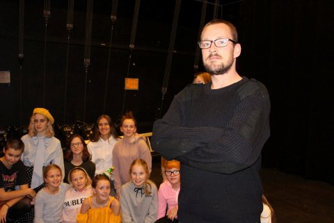 NYE SPRELL: Regissør Tobias Vik har mer på gang i Brevik.