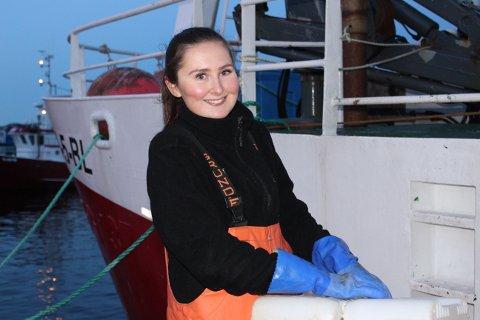 Bettina Halvorsen fra Langesund har allerede målbevisst startet på veien til å bli yrkesfisker slik som pappa og bestefar Dag og Alf Thommesen. Om noen uker skal Bettina til Finnmark igjen for å bli med på profesjonelt fiske etter snøkrabbe i Barentshavet.