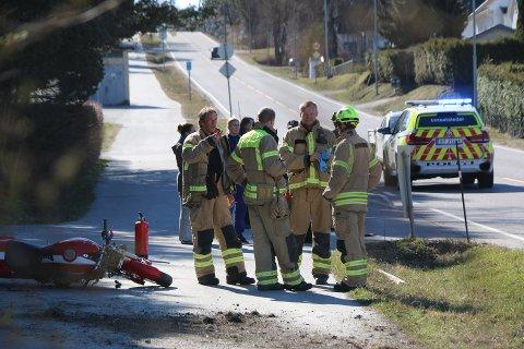 Alle nødetatene rykket ut til ulykkesstedet lørdag formiddag.