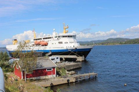 Skoleskipet Gann ligger ved Natokaia i Ekstrand og fungerer som hotellskip under Skjærgårdssang festivalen.