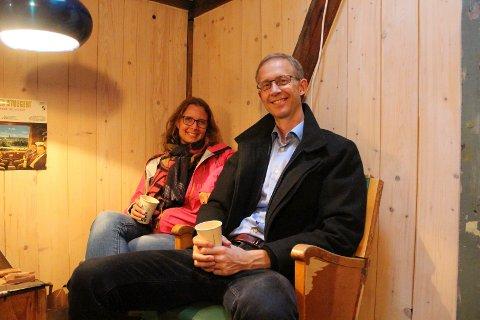 Åshild og Lars Stokke hygget seg på høstmarkedet i Keims gård.