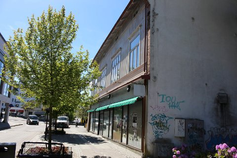 Det er fortsatt ingen som har fått starte kafé i Storgata 114.