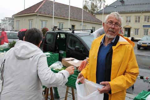 Bjørn Bergene kan selge grønnsaker for 15.000 kroner dersom været er bra i Langesund.