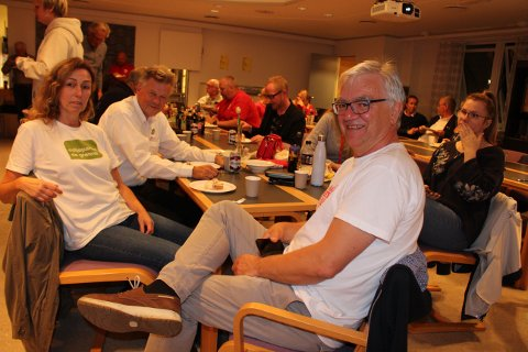 Hallgeir Kjeldal vil at Ap skal forhandle med Sp og de andre rød-grønne partiene for å få et flertallsstyre i Bamble kommunestyre. Bla med pilen til høyre midt på bildet for å se flere av bildene til artikkelen.