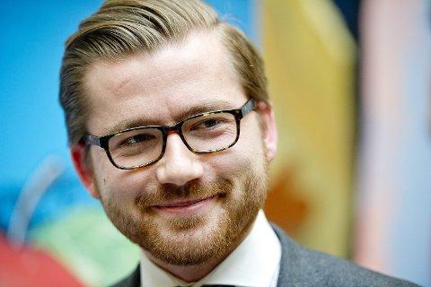 SAMDRIFT: Klima- og miljøminister Sveinung Rotevatn.