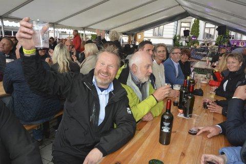 KOMMUNEN SA NEI: Deltakerne til årets Porsgrunnfestival får ikke bruke rådhustoalettene. Kommunen har snudd og sagt nei til arrangørenes søknad. Hans Arne Frøland er veldig skuffet over at kommunen går bort fra en muntlig avtale de gjorde før han startet festivalen for tre år siden.
