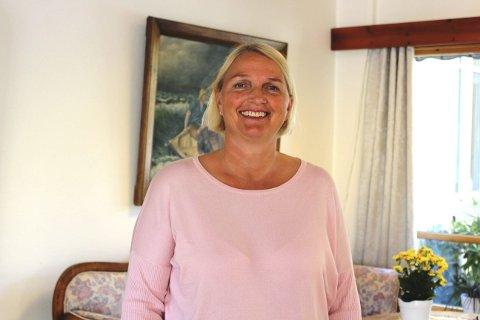 SYKEHJEM: Hanne Karlberg er ny virksomhetsleder ved Brevik sykehjem og fikk knapt tid til å bli kjent med sin nye arbeidsplass, før koronapandemien førte til mange nye tiltak som måtte innføres for å hindre smittespredning. Dørene ble stengt, og det ble innført besøksforbud for pårørende til sine familiemedlemmer som er beboere ved sykehjemmet.