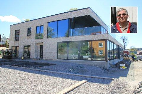 IKKE HER: Aasmund Beier-Fangen mener et funkisbygg ikke hører hjemme i en tradisjonell bybebyggelse, lik den på Osebakken.