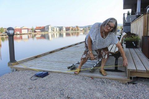 3 lange meter:  Venstre-dronninga Siren Johnsen målte opp 3 lange meter på Frednes Brygge i august og skapte årets snakkes i Porsgrunn.