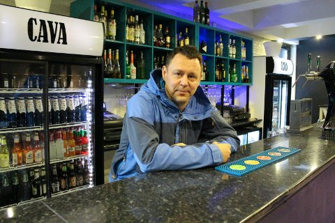 HOLDER STENGT: Cava-eier Tomas Karell vil ikke åpne nå.
