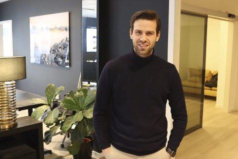 ET MORSOMT, MEN RART ÅR: Fredrik Rønning Svele har fungert som leder i Pors håndball denne sesongen. Han tok ansvar da ingen andre tok på seg ledervervet under fjorårets årsmøte. Han sier han skal få avløsning på det kommende årsmøtet.