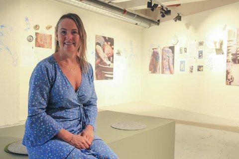 NYTT: «Porsgrund Tattoo» er en av to ny utstillinger på Porselensmuseet i sommer. – Utstillingen viser sammenhengen mellom tatoveringers dekor og porselensdekor på personer som har en forankring til PP eller er fra Porsgrunn, opplyser Ann-Kathrin Samuelsen.