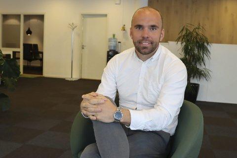 TOK VALGET: Andreas Hoppestad (26) hoppet av toppfotballsatsingen for ett år siden, og kom tilbake til meglerjobb og keeperplass i Pors. Han angrer ikke på det valget.