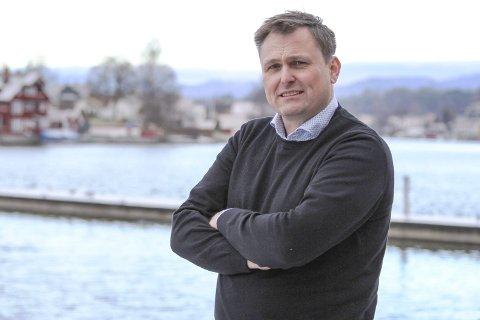 Kan bli en kunstgressbane til: Urædd-leder Sigurd Juvik er glad for at kommunen har kommet opp med en løsning for å få på plass enda en kunstgressbane på Kjølnes. Banen kan stå ferdig i 2024, dersom brikkene faller på plass.