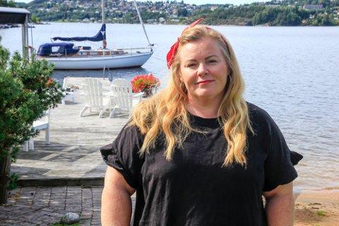 FEILSLÅTTE PRIORITERINGER: Lena Barth Aarstad vil ha en mer tradisjonell nyhetsdekning når sommershowet omtales. – For oss har en faglig, seriøs anmeldelse alt å si.