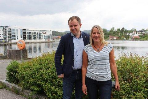 Ordfører Robin Kåss (Ap) og Anne Kristine Grøtting (Sp)