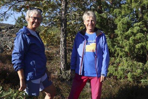 Aktive i hundre: Karen Marie Holmås og Wenche Nakkestad er to av de aktive damene i Bamble turlag. Hver mandag er de sammen med rundt 30 andre damer og går på turer i Bamble og andre steder i fylket. Det er turer hver mandag, uansett vær og føre.