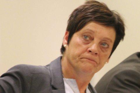 – Ikke bare positivt: Ellen Solbrække er fremdeles skeptisk til å legge ned Rakkestad lensmannskontor.