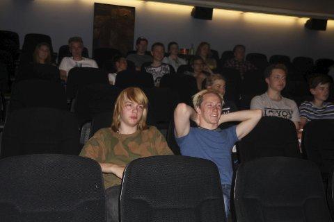 Koste seg på kino: Det var et variert kinoprogram Ungdomsrådet hadde satt på plakaten for de andre ungdommene i bygda. Alle foto: Joachim Constantin Høyer