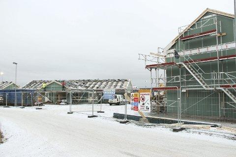Nye Fladstad: Bjørnstad Bygg AS er godt i gang med byggingen på nye Fladstad. Foto: Beate Sloreby