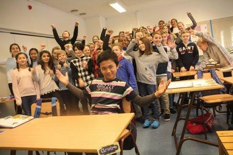 STOR HEIAGJENG: Hele femti elever, lærere og foreldre drar inn til Oslo for å heie fram Christian Ibarola i fredagens direktesendte semifinale i Norske Talenter.