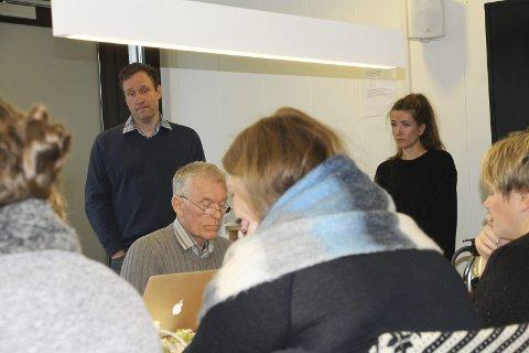 Byggesak: Arealplanlegger Espen Glosli og byggesaksbehandler Benedicte Waterloo orienterte og svarte på spørsmål i formannskapet.