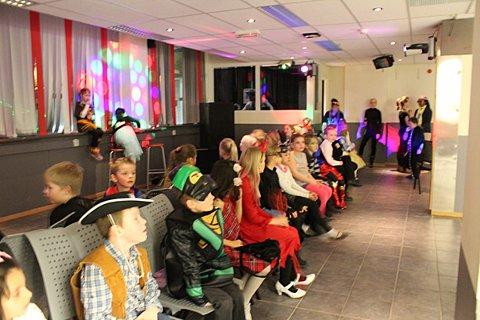 Gøy med stolleken: Stolleken ble en populær aktivitet blant de mange barna på karnevalet. Alle foto: Kristina Holøs