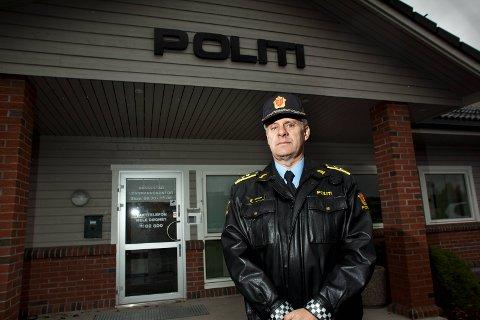 STENGER: Mandag 9. april legges lensmannskontoret i Rakkestad ned. Fredag 6. april er siste arbeidsdag for lensmann Svein Midtskog i Rakkestad.