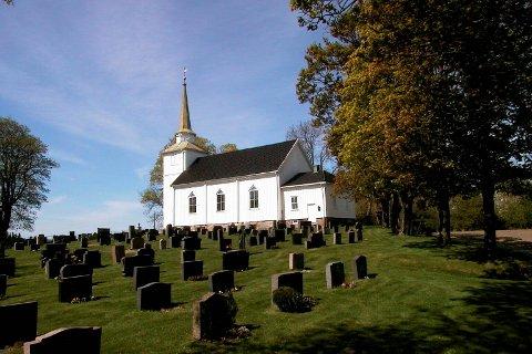 Os kirke tar i mot 18 konfirmanter i år.