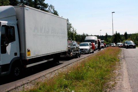 Gatebil: Når titusener av mennesker skal til Rudskogen, påvirker det trafikken i hele Østfold.