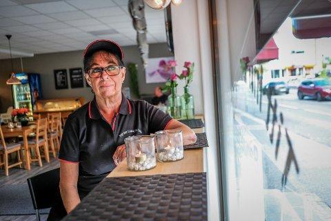 Åpnet: Torill Hagen i Titt inn Lunsj & Café har etter samråd med kommunelegen valgt å åpne igjen. Arkivfoto: MATS DUAN-HANSEN