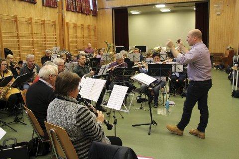 Klar for konsert: Rakkestad Janitsjar er klar for nyttårskonsert. Alle foto: Beate Sloreby