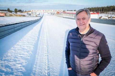 HARDT RAMMET: Rudskogen Motorsenter er hardt rammet av koronakrisen. Daglig leder; Harald Huysman, beregner et tap på over 40 millioner kroner i år.