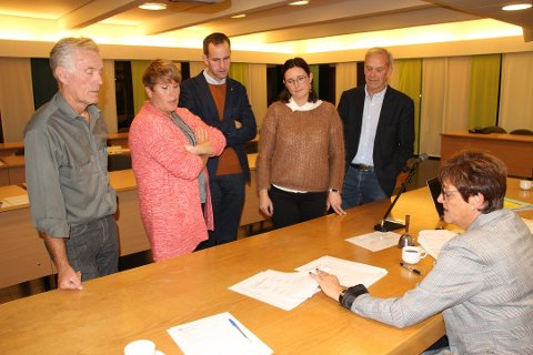 Vindkraftverk: Hans-Jørgen Fagereng (Frp), Karoline Fjeldstad (Sp), Knut-Magne Bjørnstad (Ap), Iselin Bjørnstad (KrF), Peder Harlem (Sp) og Ellen Solbrække (Ap) hadde klare meninger om høringsinnspillet til NVE.
